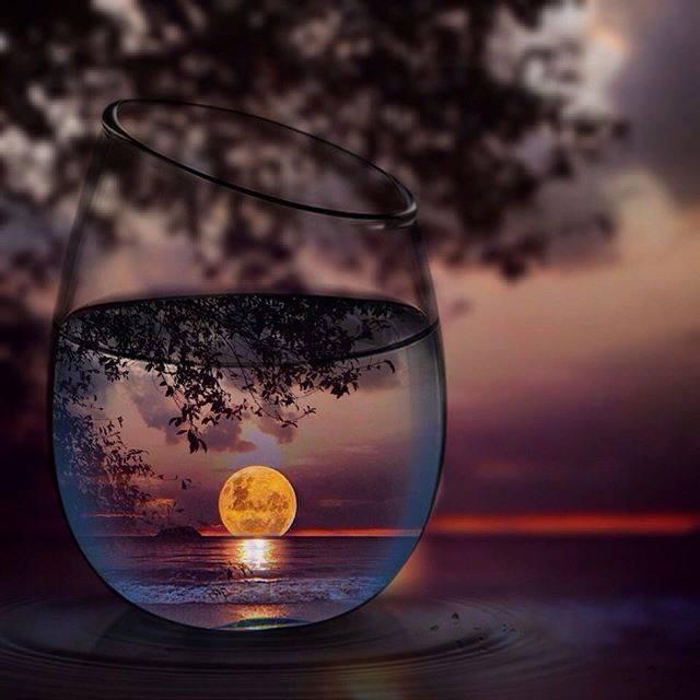 luna-agua vaso